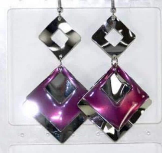 boucle oreille émaux et métal carré pourpre